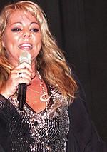 Sandra a adus in prezent hiturile anilor '80 (poze si video)
