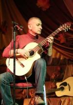 Concert Iulian Anghel la Casa de Cultură a Sindicatelor din Piatra Neamţ