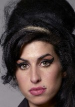 Tribut Amy Winehouse în Piaţa George Enescu din Bucureşti
