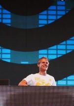 4-armin-van-buuren-the-mission-dance-weekend-2012-14