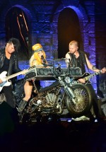 lady-gaga-bucharest-concert-2012-16