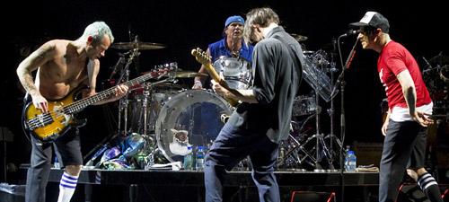 Detalii şi reguli de acces pentru concertul Red Hot Chili Peppers