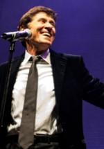 RECENZIE: Gianni Morandi revenire spectaculoasă pe scena de la Bucureşti (POZE)