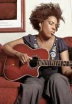 CONCURS: Câştigă invitaţii la concertul Macy Gray