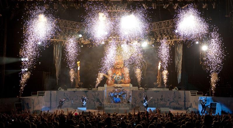 Iron Maiden în cadrul turneului Maiden England în 2012 - Foto: www.ironmaiden.com