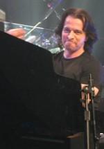 CONCURS: Câştigă invitaţii la concertul Yanni de la Sala Palatului