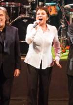 RECENZIE: Ricchi e Poveri la Sala Palatului, bucurie şi nostalgie pe ritmuri pop (POZE)