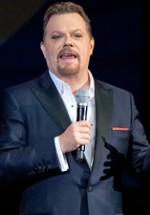 RECENZIE: Eddie Izzard la Bucureşti – umor inteligent cu accent britanic