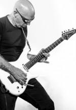 POZE: Joe Satriani la Sala Palatului din Bucureşti