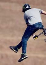 Rider-ii vor face show de Dirt BMX & MTB la B'ESTFEST Summer Camp 2013