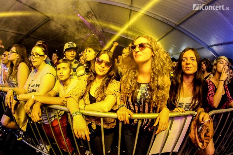 Publicul de la show-ul ROA la B'ESTFEST 2013 - Foto: Vlad Pîrîu / iConcert.ro