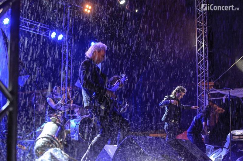 Lacrimosa, pe fundal de tunete şi fulgere - Foto: Paul Voicu / iConcert.ro