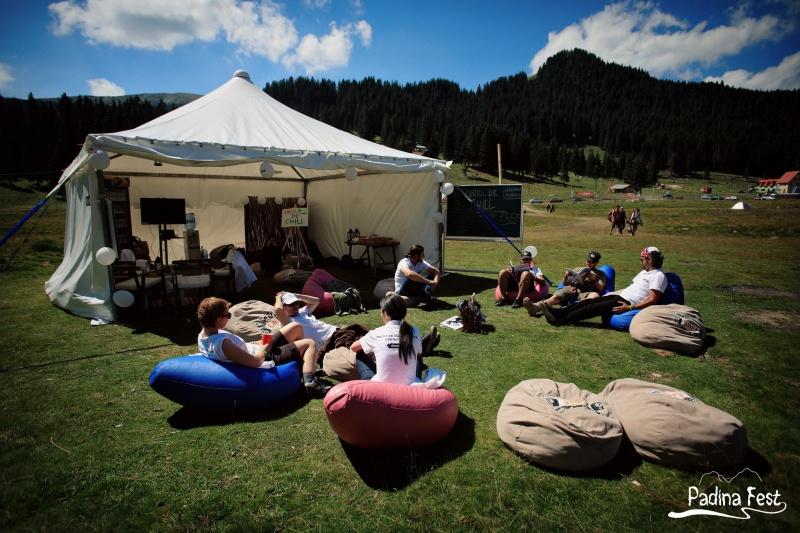 Un moment de relaxare la Padina Fest 2013 - Foto: www.facebook.com/padinafest