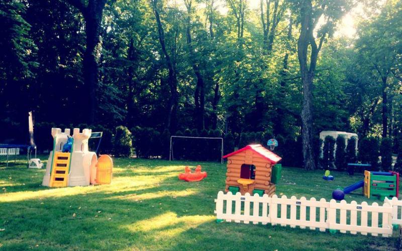 Spaţiu de joacă pentru copii la Summer Wells 2013