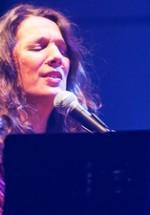 RECENZIE: Dulce Pontes, expresia vie a muzicii fado, ne-a încântat cu ritmurile portugheze la Sala Palatului (POZE)