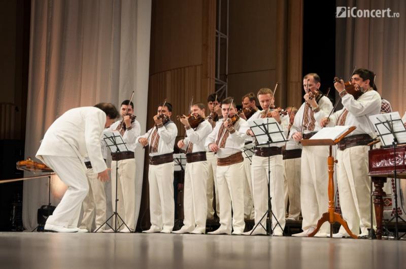 Debut în forţă pentru un spectacol special - Foto: Betty Cristea / iConcert.ro