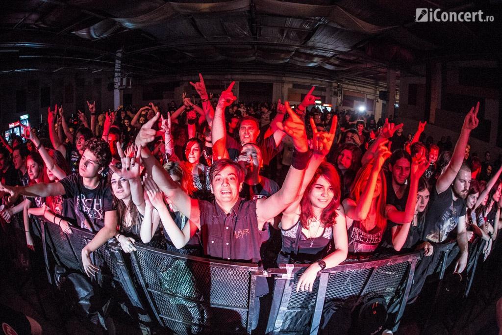 Fanii prezenţi la concertul Arch Enemy din Turbohalle - Foto: Paul Voicu / iConcert.ro