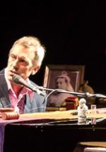 POZE: Hugh Laurie la Sala Palatului din Bucureşti
