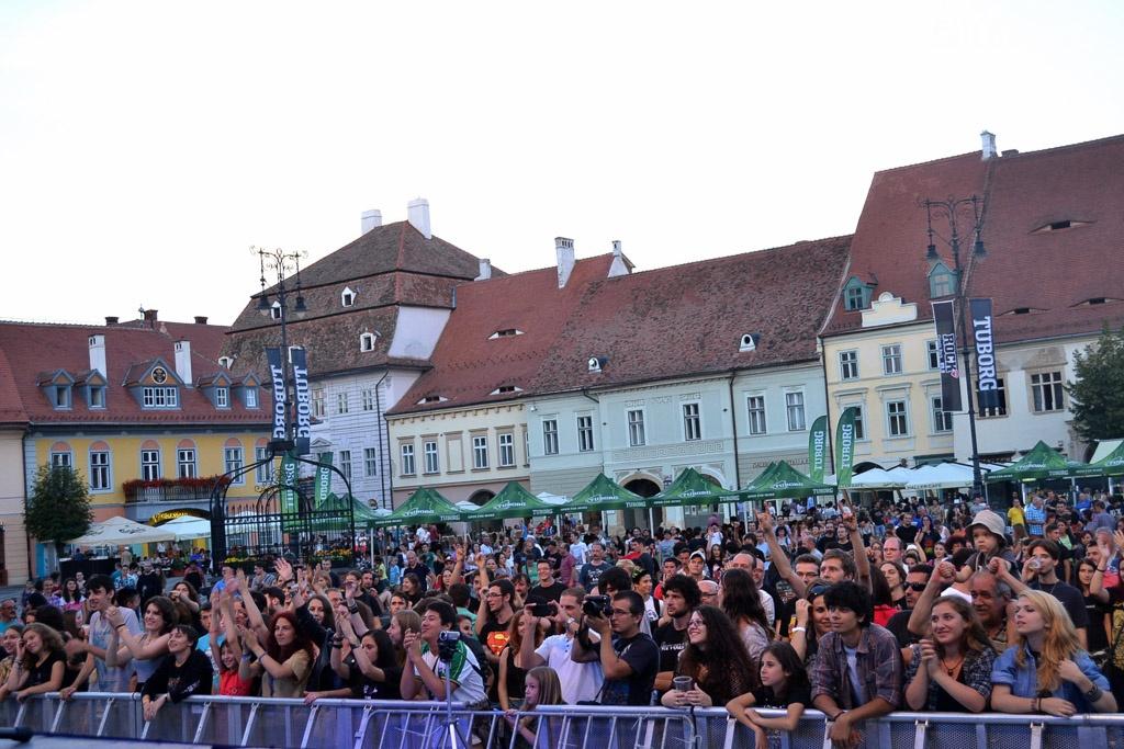 Muzica rock a revenit în Piaţa Mare din Sibiu - Foto: Teodora Neagu / iConcert.ro