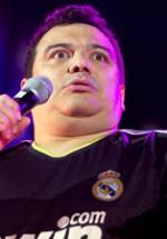RECENZIE: Carlos Mencia la Bucureşti. Americanul din Honduras care te face să râzi în hohote (FOTO)