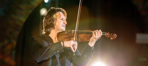 RECENZIE: Edvin Marton, prinţul viorii, a revenit în România într-un concert la Bucureşti (FOTO)