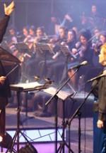 RECENZIE: Havasi a rescris simfonia emoţiilor printr-un concert monumental de Crăciun (FOTO)
