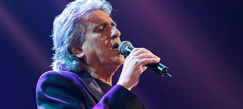 """RECENZIE: Toto Cutugno la Sala Palatului – """"Iubirea pentru muzica mea este iubirea pentru voi"""" (POZE)"""