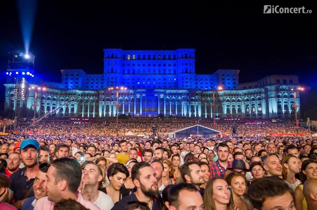 Publicul prezent la concertul Robbie Williams de la Bucureşti - Foto: Daniel Robert Dinu / iConcert.ro