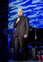FOTO: Charles Aznavour la Sala Palatului din Bucureşti