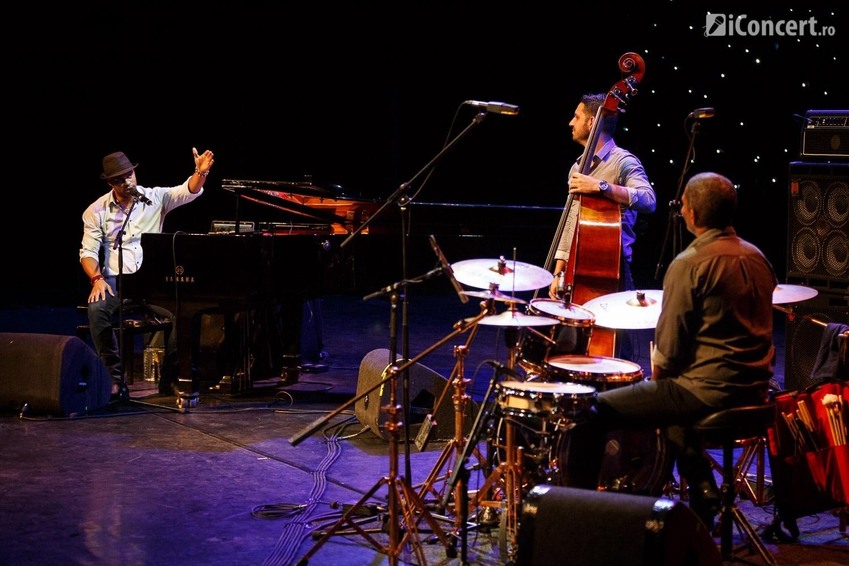 Roberto Fonseca Trio în concert la Bucureşti - Foto: Daniel Robert Dinu / iConcert.ro