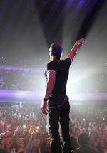 Mai sunt doar câteva zile până la concertul lui Enrique Iglesias, de la Bucureşti