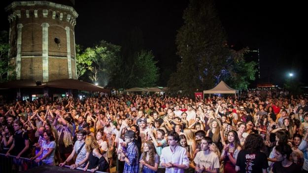 RECENZIE: Balkanik! Festival 2016 – 3 zile de shoturi de ţuică, muzică şi bucate ca-n Balcani (FOTO)