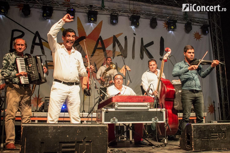Band of Gypsies (Taraf de Haïdouks şi Kocani Orkestar) la Balkanik! Festival 2016 - Foto: Ştefan Tivodar / iConcert.ro