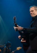"""Garou renunţă la Vocea Franţei pentru turneul """"Fly Me to the Moon"""", care îl readuce în concert la Bucureşti"""