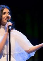 """Alexandra Uşurelu ne-a purtat """"până la capătul lumii"""" printr-un concert simfonic plin de magie şi delicateţe (FOTO)"""