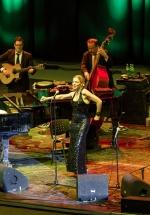 CONCURS: Câştigă invitaţii la concertul Pink Martini de la Bucureşti