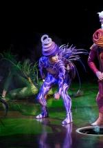 """RECENZIE: Cirque du Soleil a adus """"VAREKAI"""" la Bucureşti: un spectacol cu personaje alegorice, muzică live, lumini şi acrobaţii spectaculoase (FOTO)"""