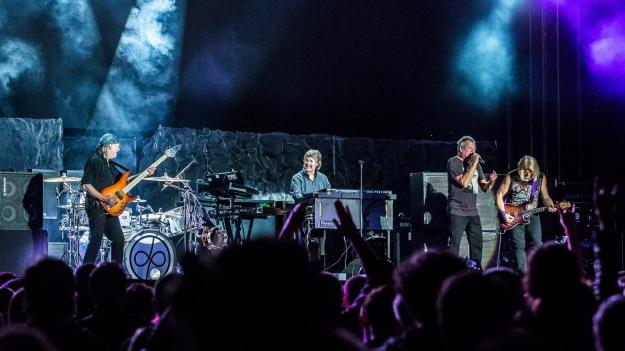 "RECENZIE: Deep Purple a dat startul ""The Long Goodbye Tour"" la Bucureşti (FOTO)"