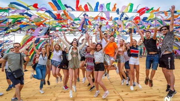 Totul despre festivalul NEVERSEA 2018: program concerte, reguli de acces, obiecte interzise şi transport