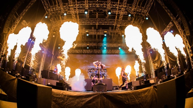 RECENZIE: Nightwish la Bucureşti – două decenii de rock simfonic aniversate într-un concert senzaţional (FOTO)