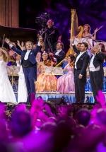 """André Rieu lansează """"Love in Maastricht"""" şi albumul """"Romantic Moments II"""", înaintea concertelor din România"""