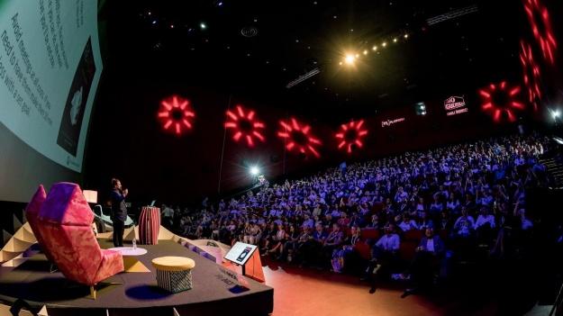 UPGRADE 100, festivalul care transformă Bucureștiul în Capitala Europeană a Internetului și Tehnologiei