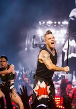 Robbie Williams concertează la UNTOLD 2019